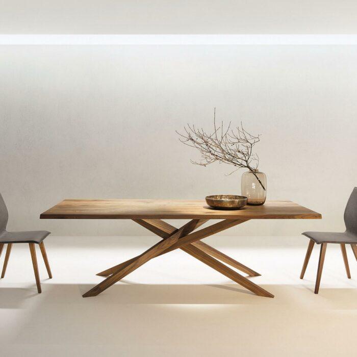 Eleganter Holztisch Mikado von Anrei