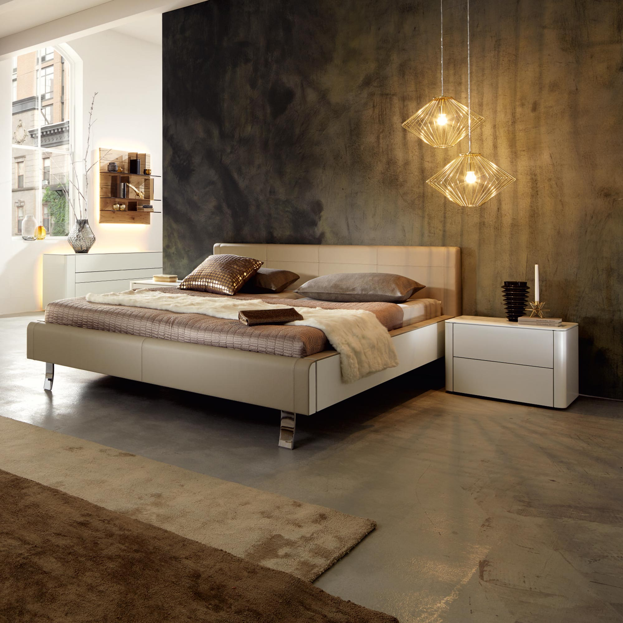 weisses bett mit holz einsatz von h lsta genits m bel b r ag. Black Bedroom Furniture Sets. Home Design Ideas