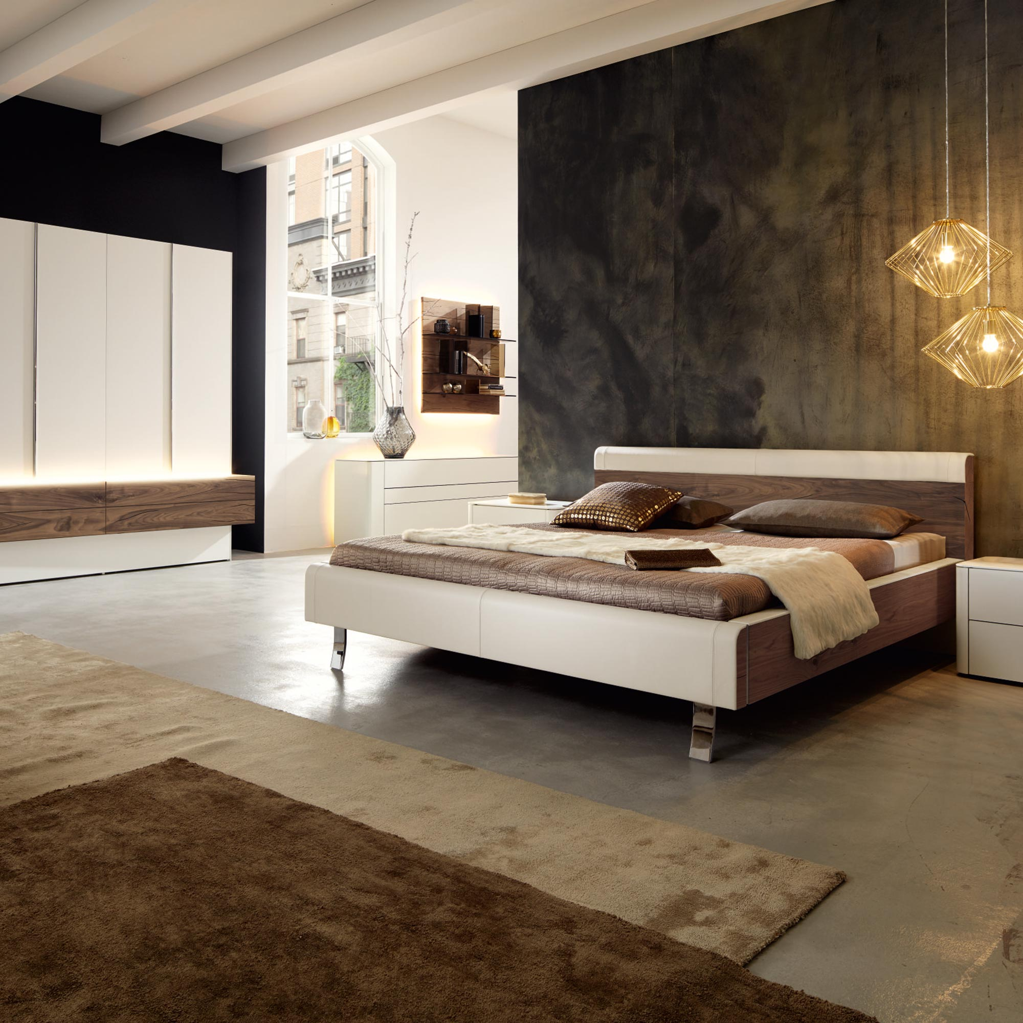 h lsta gentis schlafzimmer weiss mit akzent in nussbaum. Black Bedroom Furniture Sets. Home Design Ideas