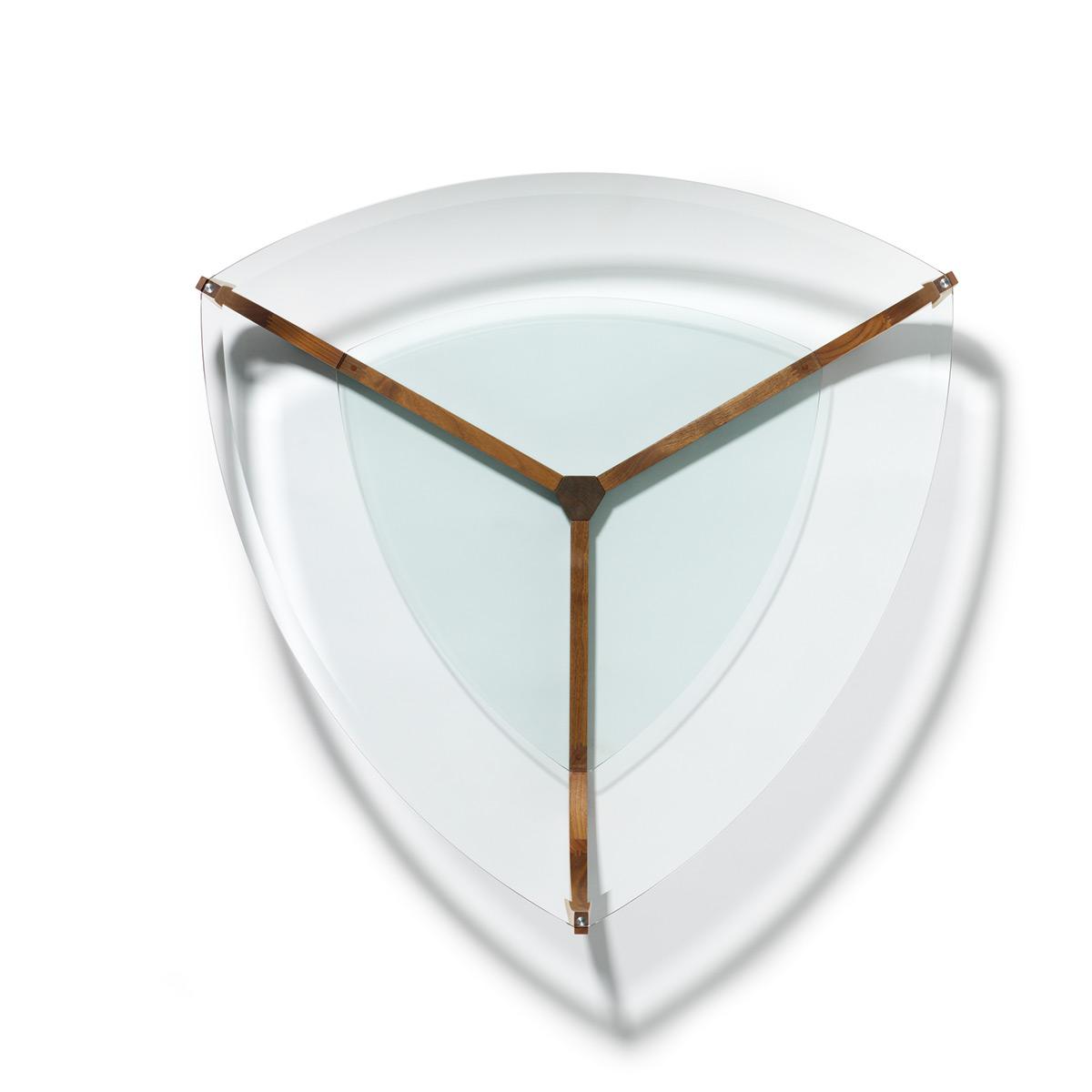 Team7 Couchtisch Juwel dreieckig Nussbaum  Möbel Bär AG