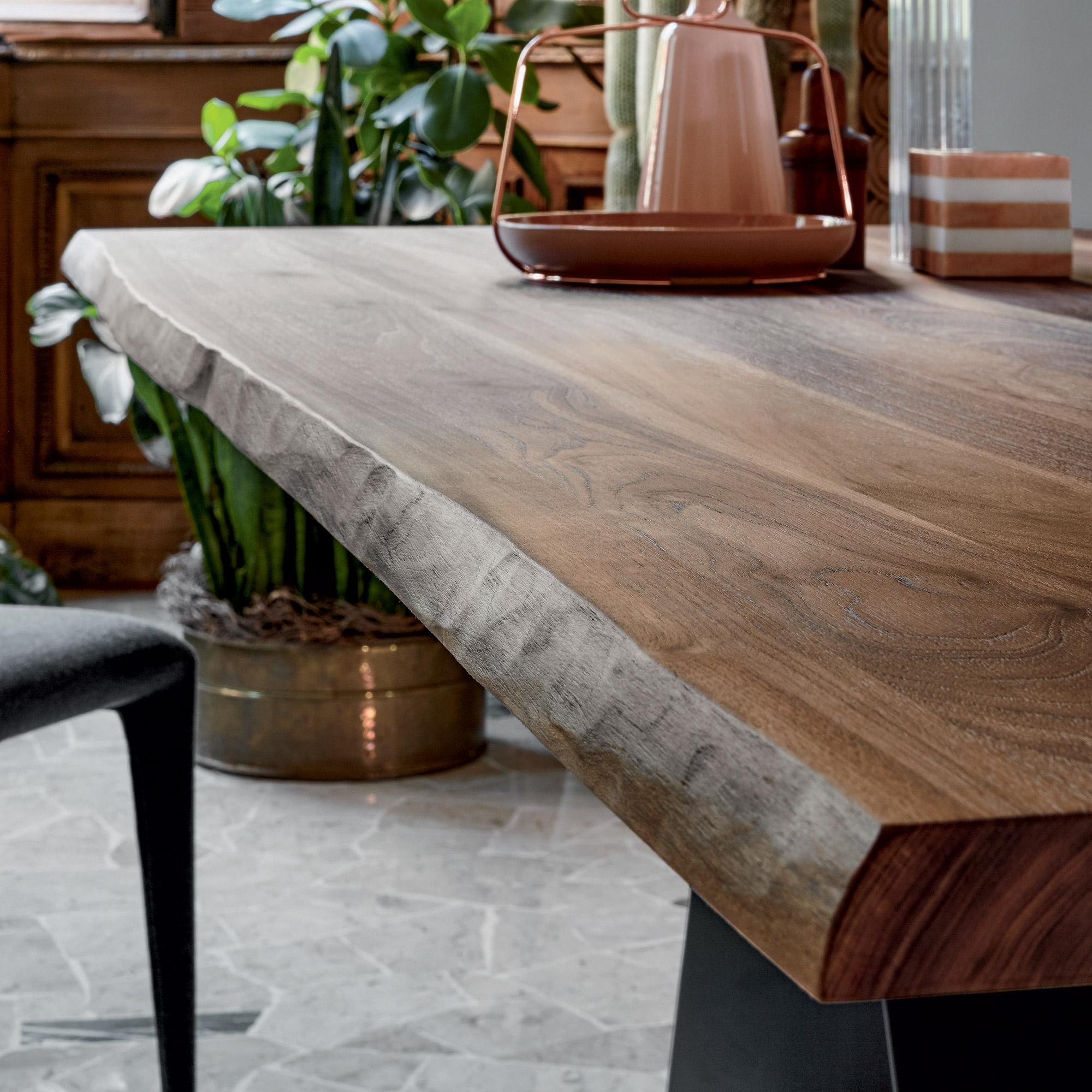 Wunderbar Bonaldo AX Tisch Mit Amerikanischer Nussbaum Tischplatte
