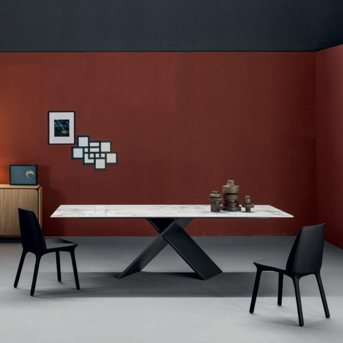 Bonaldo AX Tisch mit Marmor Tischplatte