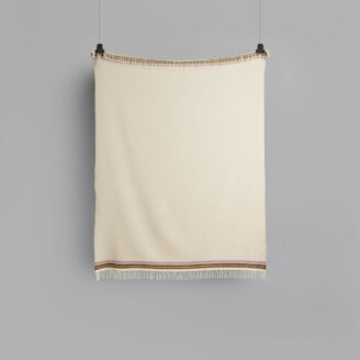 04_wohnen_decke_roros_aKLE-THROW-LIGHT-GREY-BEIGE-4051-FRONT